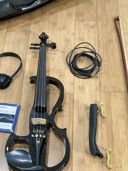 Cecilio CEVN Violin Black for Sale in Los Angeles,  CA