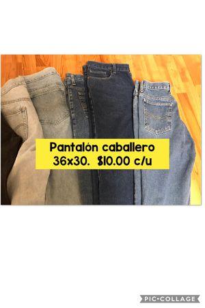 Pantalones mezclilla Levis y Rider 36x30 for Sale in Cicero, IL