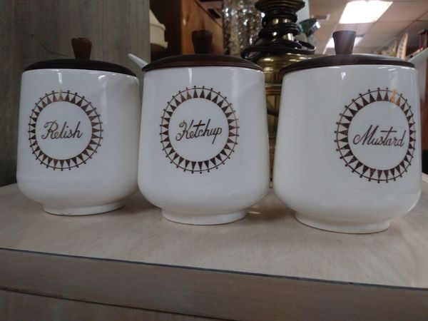 Three piece condiment set
