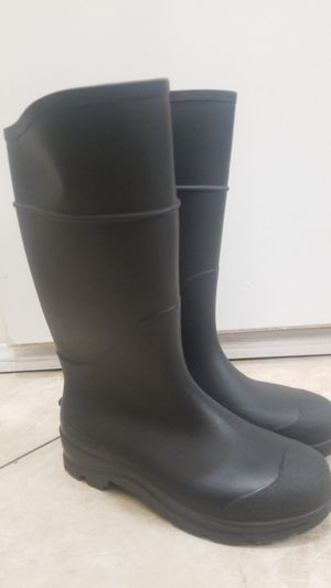 woman 8 rain boots new for Sale in Commerce, CA