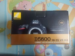 Nikon D5600 DSLR CAMERA FOR SALE for Sale in Los Angeles, CA