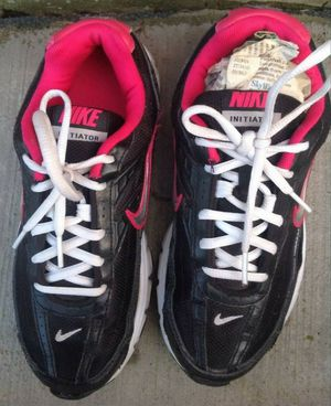Nike Initiator running shoes size 6.5 for Sale in TN OF TONA, NY