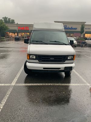 2006 Ford E250/ Wheelchair/Stretcher for Sale in Hampton, GA