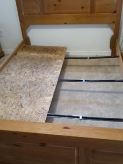 Queens Size Bed for Sale in Citrus Springs,  FL