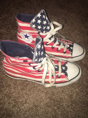 Women's size 7 patriotic converse for Sale in Houston, TX