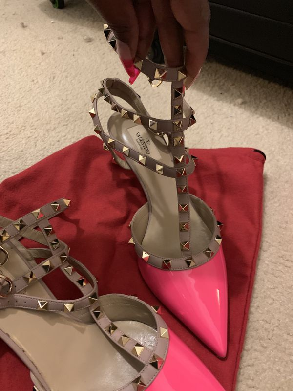Valentino Rockstud Hot Pink Pumps