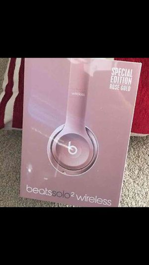 Solo 2 Beats Rose Gold By Dre for Sale in Bronx, NY