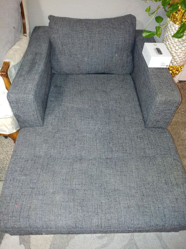 FREE LOUNGE CHAISE!!!!!
