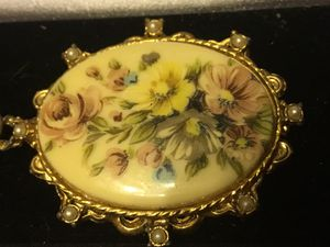 Vintage hand painted pin for Sale in Derby, CT