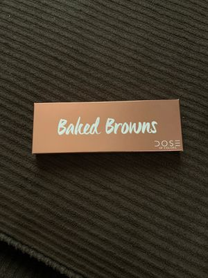 Baked brown eye shadow for Sale in Los Angeles, CA