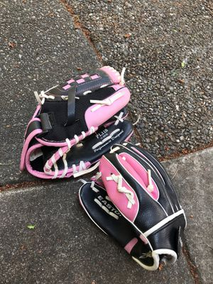 Easton 11 inch softball gloves for Sale in Bellevue, WA