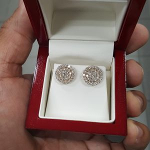 14k Diamond Cluster Earrings. 2ct for Sale in Philadelphia, PA