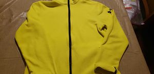 Boys UNDER ARMOUR fleece jacket size XL for Sale in Waterford, PA