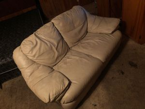 Love seat for Sale in Pineville, LA
