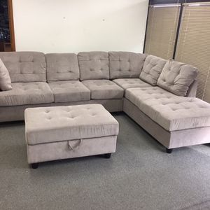 Grey Chenille Sectional Couch And Ottoman for Sale in Seattle, WA