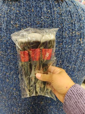 Makeup brushes for Sale in Lynwood, CA
