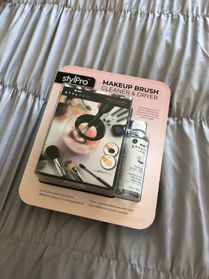 Makeup brush cleaner and dryer for Sale in New Lenox, IL