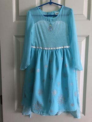 Disney Queen Elsa dress with detachable cape size 6 for Sale in Sully Station, VA