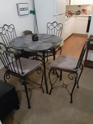 Dining table for Sale in Gresham, OR