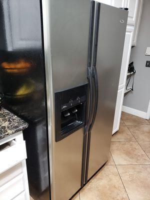 Refrigerator whirlpool for Sale in Manteca, CA