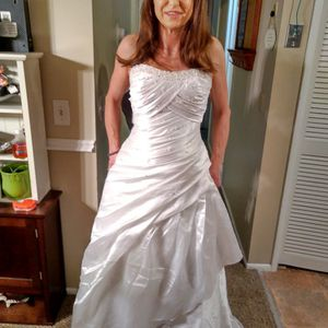 Wedding Dress New.. for Sale in West Valley City, UT