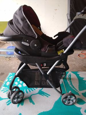 Eddie Bauer car seat with stroller for Sale in Franklin, WI