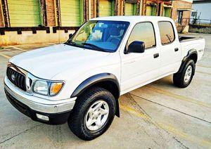ֆ14OO 4WD Toyota Tacoma Clean for Sale in Hutchinson, KS