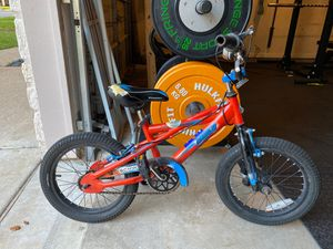 """Scwinn Scorch 16"""" tire boys bike. Good condition. Have pegs and training wheels if necessary. for Sale in Austin, TX"""