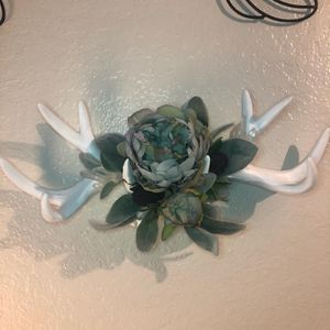 Floral Crystals Antlers wall decor for Sale in San Diego, CA