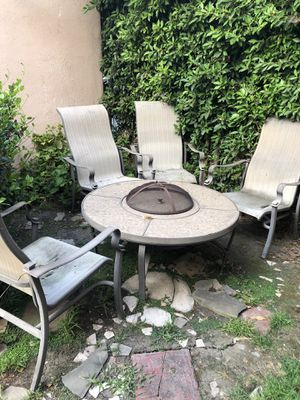 Patio furniture with fire pit for Sale in Los Angeles, CA