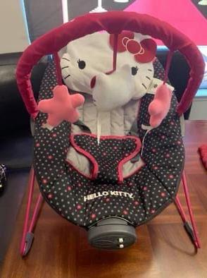 Trend EZ Set - Hello Kitty Polka Dot Floral Set for Sale in Fresno, CA