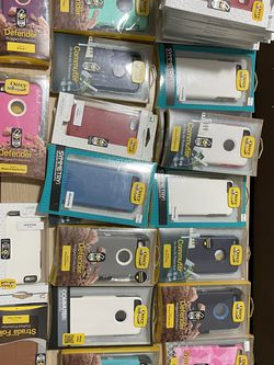 Wholesale Lot Of 642 Assorted Phone Cases And Chargers for Sale in Chula Vista,  CA