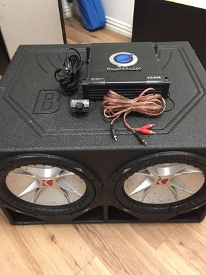 "2 kicker 12"" in pro box w/1500 watt Planet Audio amp for Sale in Dallas, TX"