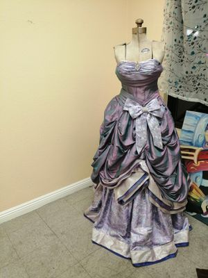 Iridescent Blue/Purple/Green Quinceanera Dress Sz XS/S for Sale in Las Vegas, NV