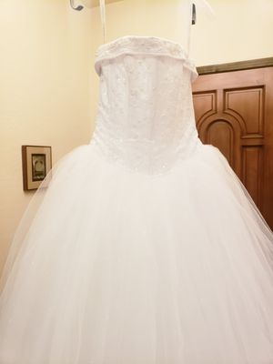 Wedding Dress (David's Bridal) for Sale in Phoenix, AZ