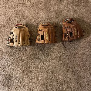 Wilson A2000 Baseball Gloves for Sale in Riverside, CA
