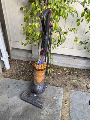 Dyson DC-40 upright vacuum cleaner. Works. for Sale in Glendale, CA