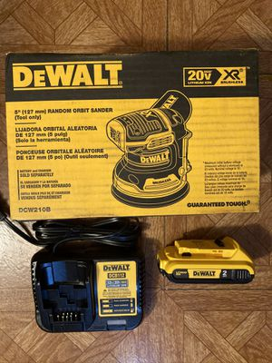 "DeWalt. 20V MAX XR Lithium Ion Brushless Cordless 5"" Orbital Sander Kit. DCW210. for Sale in Brooklyn, NY"