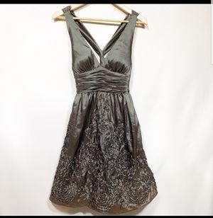 Adrienne Papelle Ombre Metallic Dress Size 4 for Sale in Atlanta, GA