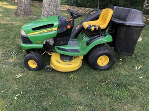 John Deere LA120 mower with bags for Sale in Torrington, CT