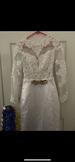 White dress with lace for Sale in Fountain Valley, CA