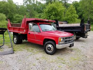 1995 3500 Chevy dump for Sale in Butler, PA