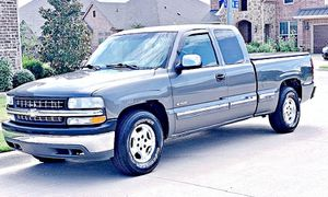 ֆ12OO 4WD CHEVY SILVERADO 4WD for Sale in Falls Church, VA