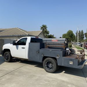 Chevy 3500 Tooled Out Welding Rig for Sale in Tulare, CA