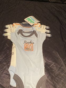 CARTER'S 3 PC PREEMIE BABY BOYS Onesies for Sale in Kissimmee,  FL