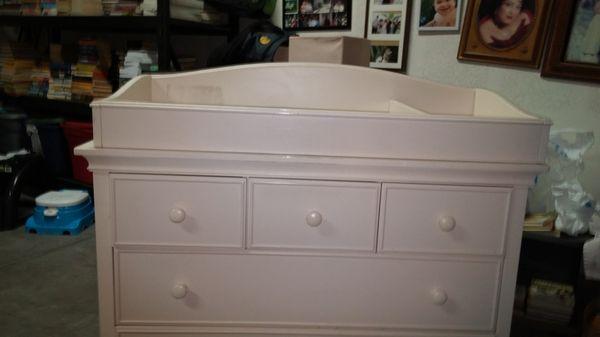 Cost Co Cafe KidDresser Changing Table