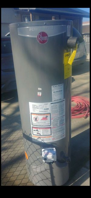 40 gal natural gas water heater for Sale in San Jose, CA