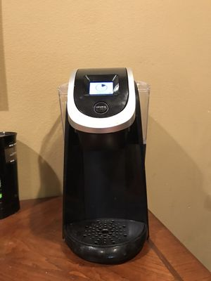 Keurig Coffee Maker & k cup holder for Sale in Tacoma, WA