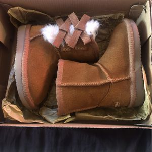 UGG for Sale in Bakersfield, CA