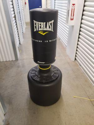 Everlast punching bag for Sale in Winter Garden, FL